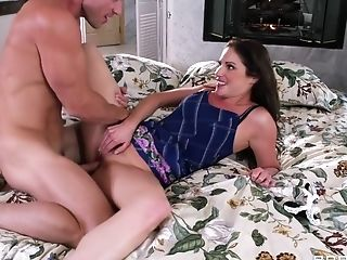 Big Tits, Brunette, Condom, HD, MILF, Natural Tits, Samantha Ryan,